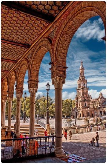 L'architettura di Plaza de España di Siviglia